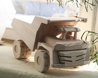 Wooden machines toys