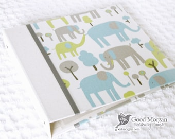 0 to 12 months Baby Memory Book - Boy Zoo