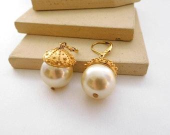 Vintage Gold Capped White Faux Pearl Bead Dangle Earrings J19