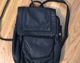Wilsons Leathe backpack purse