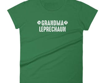 Cute St. Patrick's Day Grandma Grandmother Leprechaun with distressed look Women's short sleeve t-shirt