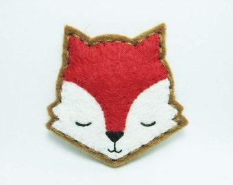 Sleepy Red Velvet Fox felt brooch - tiny size - made to order