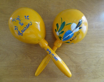 "Maracas custom (32 pieces) that say ""MEXICO"" with your names for your fiesta wedding, shower"