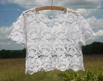 Top, blouse lace Agatha Velmont woman white floral.  Cotton crop Top. Size M.  French vintage.