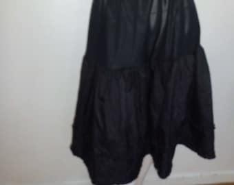 Large black PETTICOAT vintage t36/38