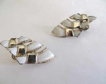 Vintage womens earrings, 70s costume jewelry, womens accessories, white gold enamel, clip on, Mothers Day gift