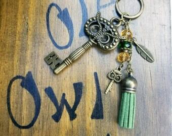 Owl skeleton key tassel keychain
