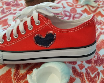 Sneaker Red with knitted heart size 37
