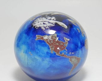 Vintage Signed Lundberg Studios World Globe Art Glass Paperweight, Lundberg World Globe Paperweight, Lundberg Hand Blown World Paperweight