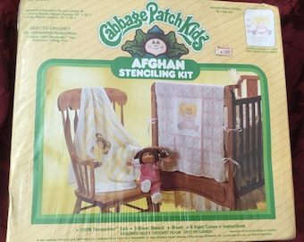 ViNtAgE  CABBAGE PATCH KIDS Afghan Stenciling Kit in Pink & White New and Sealed from Old Stock No. 26250