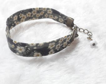 Liberty bracelet bronze grey & white flowers