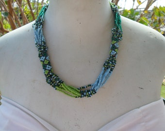 Authentic Vintage Hand Made Woven American Indian Shades Of Blue And Green Bead Work Necklace