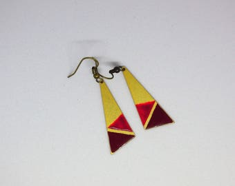 Earrings dangling /triangulaires/ enameled/Burgundy and red/gold/gift women / bicolor