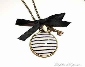Necklace necklace sailor sailor Navy blue • white • retro