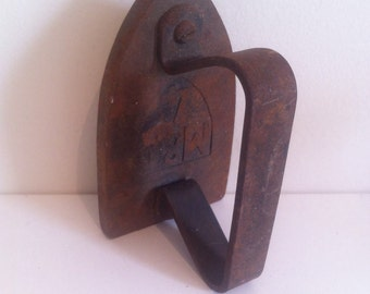 Antique flat iron, Vintage Flat Iron, Flat Iron, Antique iron, Antique Flat Iron, old iron, heavy iron, rusty iron, Rusty Flat Iron