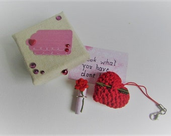 """crochet with message heart Keychain in gift box """"Look what you have done to me"""""""