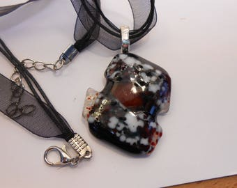 Glass fusing red and white necklace