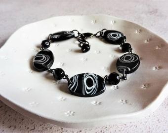 Black and white bracelet, Monochrome accessory, Unique bracelet, Geometric jewellery, Beaded bracelet, The Monochrome Collection