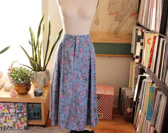 """floral print cotton chambray skirt . early 90s vintage skirt . womens large . 30"""" waist"""