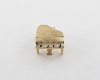 Vintage 14k Yellow Gold 3D Grand Piano Charm pendant opens up