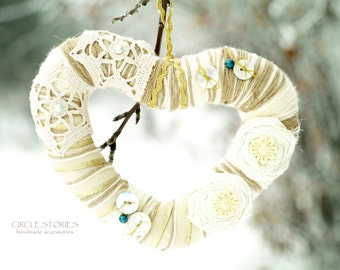 Ivory Heart Wreath, Vintage Lace Decor, Gold and White Door wreath, Valentines Day gift, Rustic Wedding, Christmas Gift, Gift for parents
