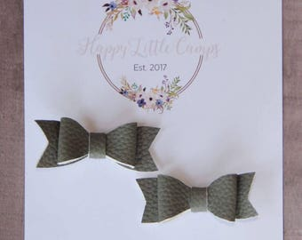 The Piggy Bows// Gray // Bows for pigtails // Hair bows // Pigtails // Hair accessories