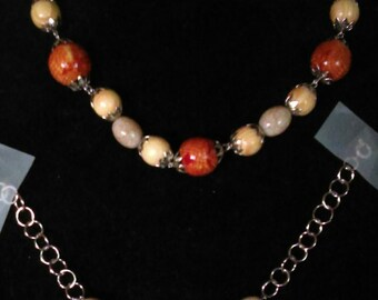 Here Pretty Wooden/Glass Beads Necklace With Bracelets To Match