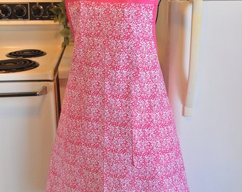 Vintage Style Women's Full Apron in Pink Floral