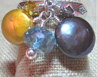 Yellow and Deep Blue Freshwater Pearl & Faceted Stone Dangle Ring - R073