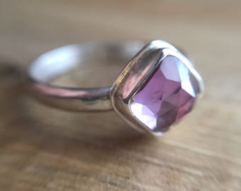 Purple and Silver Ring / Alexandrite Ring / Purple Green Ring / Color Changing Ring