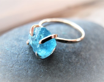 Raw Apatite Non Traditional Engagement Ring, Uncut  Gemstone Raw Rough Stone Ring, Hammered Sterling Silver, 14k Gold Filled, Gift for Her