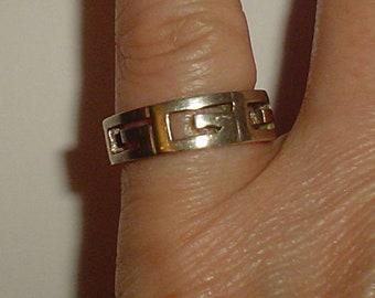 Silver ring Greek key cutout vintage band UK size N US sz 6.5