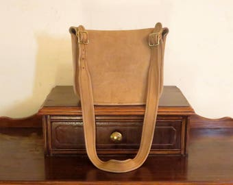 Etsy BDay Sale Coach Classic Shoulder Bag  In Saddle Leather - Style No 9170 - Made In 'The Factory' In  New York City- Beautifully Worn