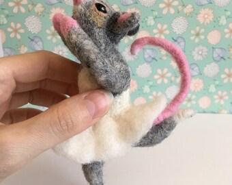 Set of 2 needle felt mouse ballerina - Mouse Figurine Miniature Cute Mouse Needle Felted Mouse Animal Ballet Dancing Rat White