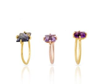 Empiler les anneaux de pierre avec monture couché dans l'anneau d'or vermeil, améthyste, bague carré, rectangle d'anneau, tanzanite bague en argent sterling