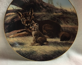 W.L. George Last of Their Kind - Endangered Species Collector Plate - 'The Red Wolf' (#127)