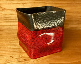 Red Enameled Steel Vessel