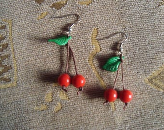 Handmade jewelry: cherry earrings; red cherries, green leaf earrings, fruits earrings, summer outfit jewelry