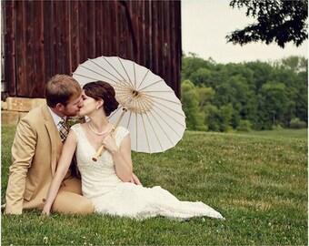 "Wedding Umbrella Parasol - 32"" Paper/Bamboo - Great for Outdoor Weddings, Beach Weddings or Photo Shoots"