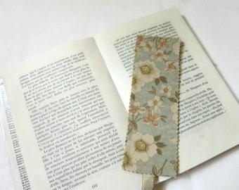 bookmarks in fabric, fabric flowers, salmon bookmark ecru blue