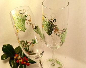 Free shipping Green and gold grapes hand painted pair of champagne flutes