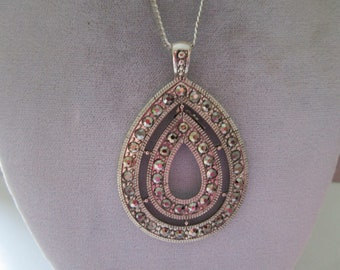 Necklace in Silver tone w/ Pendant of Marcasites