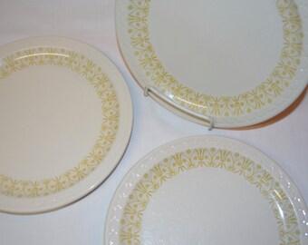 Syracuse China Dinner Plate - 9 inch - SET of 3 - Yellow Gold Art Deco Scalloped Pattern - White China - Ironstone Railroad Restaurant Ware