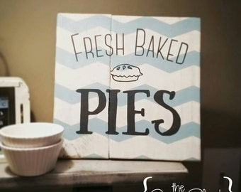 Fresh Baked Pies pallet sign - bakery sign - vintage sign - wood sign - kitchen decor - distressed wood pallet sign - wall art - home decor