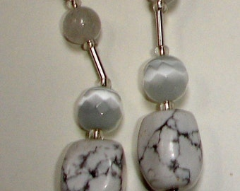 Howlith and rock crystal earrings