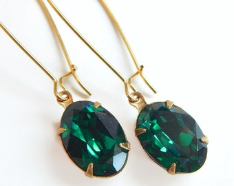 Oval emerald green crystal earrings - Swarovski earrings - emerald earrings -