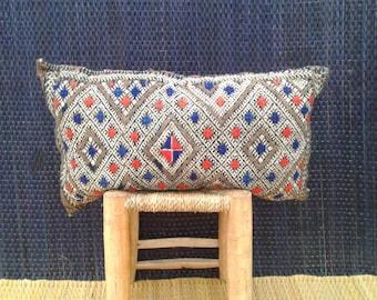 Moroccan kilim pillow, Moroccan pillow, Moroccan cushion, Vintage cushion, Moroccan throw pillow, Berber Rug pillow, Rug Pillow Kilim pillow