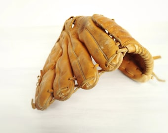 "Vintage Billy Williams Rawlings baseball glove, GJF 6 Fastback 10"" model 1970s Chicago Cubs sports, youth or woman's, hall of famer, leather"