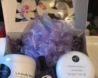Essential Bath and Body Gift Box Set For Mom, Women, Her, Girlfriend, Spa Gift Set Pampering Layering