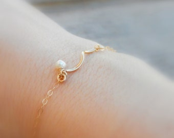 Wave bar Armband, Gold, zarte Perle Armband, Brautjungfer, Brautjungfer Schmuck
